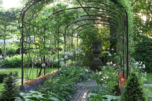 Traumhafte Landgärten 020-021_holmer_vollfruehling-69