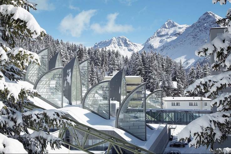 alpine- architektur-mario-botta-arosa-berg-oase-fassade