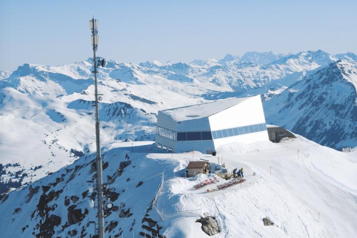 alpine Architektur tilla-theus-arosa-weisshorn-gastraum_panorama