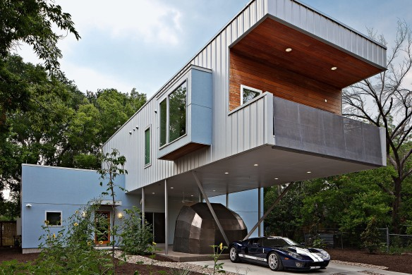 The Texas Cantilever project at 6502 Grover Avenue designed and built by Universal Joint Design Associates (Jonathan Chertok).