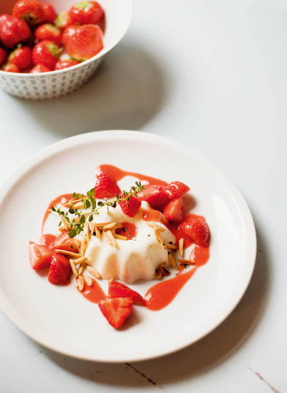 Buttermilch Joghurt Mouse mit Erdbeeren Rezept