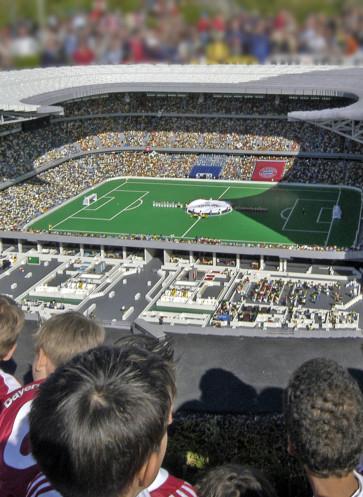 Einblick in den Nachbau der Allianz Arena aus LEGO Steinen im MI