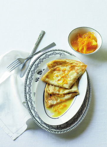 Crêpes Suzette Rezept | Schnell und einfach kochen | Wie die Helene zur Birne kam | James Winter | Callwey