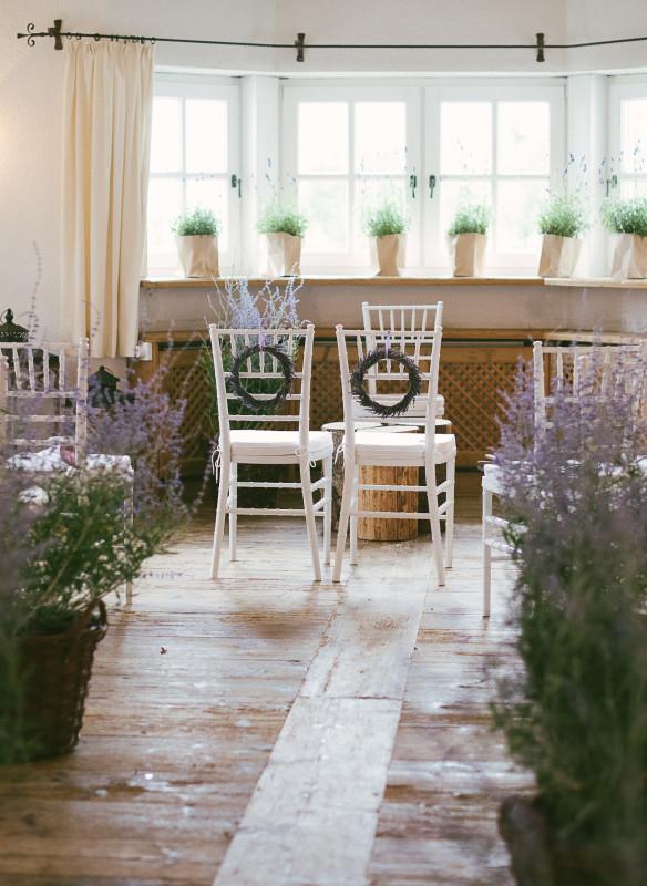 Blumenmeer auf dem Standesamt Ideen Hochzeit