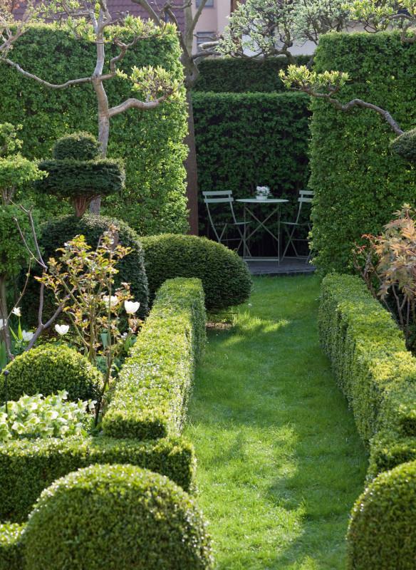 Formaler Reihenhausgarten
