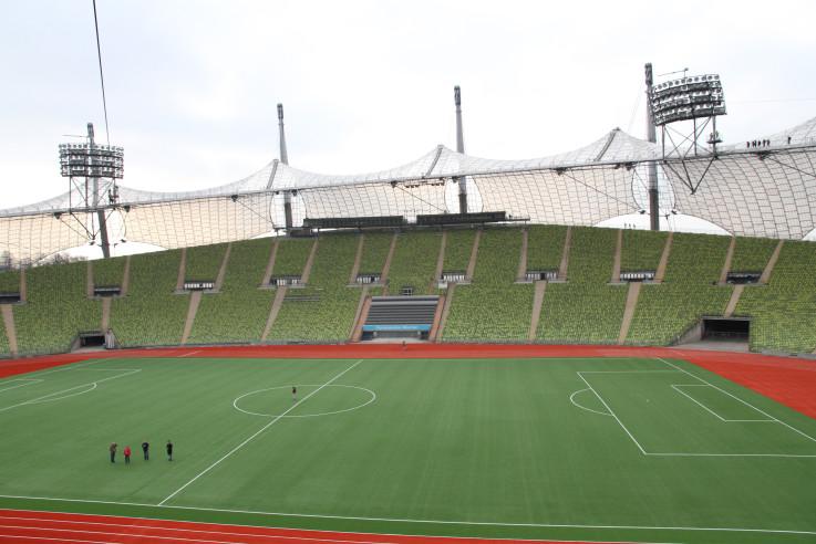 olympiastadion-muenchen-transparent-leicht-luftig-frei-otto-01 Kopie