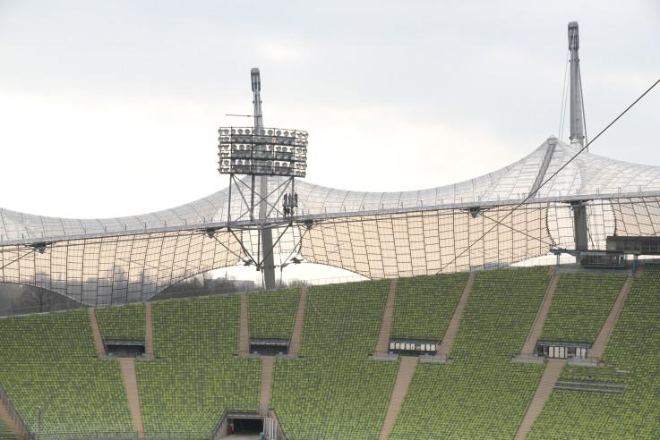 olympistadion-muuenchen-schwebendes-dach