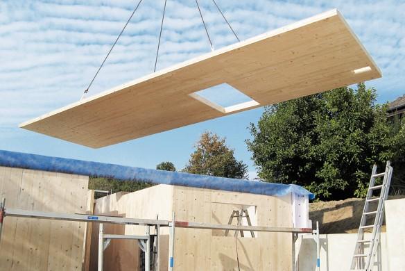 Holzmassivbau Wohnhaus Montage