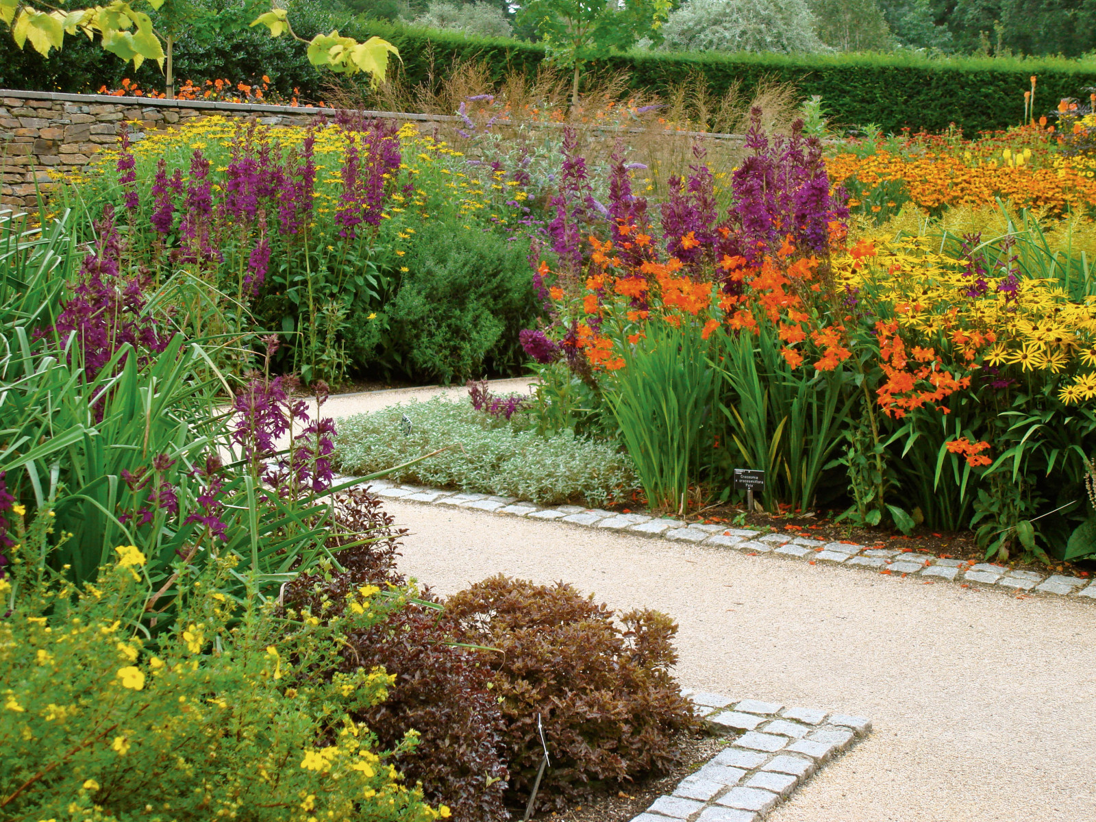 Gartendesign gartengestaltung callwey gartenbuch for Gartengestaltung wege