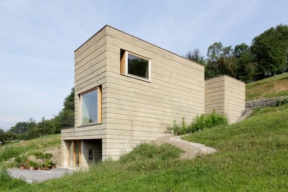 Einfamilienhaus Alpen Stampflehmhaus Roger Boltshauser