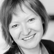Portrait Buchautorin und Architektin Bettina Rühm