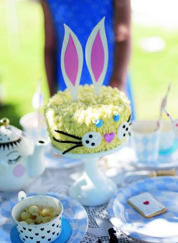 Kaninchen-Osterkuchen Rezept   Motivkuchen   Osterkaffee   Fräulein Klein feiert mit Kindern   Callwey