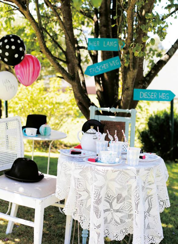 Callwey Buch - Alice im Wunderland Kindergeburtstag Motto - Tischdeko - Partyideen – Gartenparty