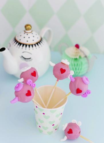 Cakepops Rezept | Kindergeburtstag | Motiv Teetafel | Fräulein Klein feiert mit Kindern | Callwey