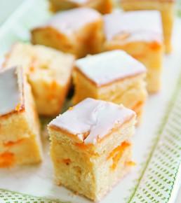 Englischer Aprikosenkuchen mit weißer Schokolade, Anja Birne, Romantische Gartenreisen in England