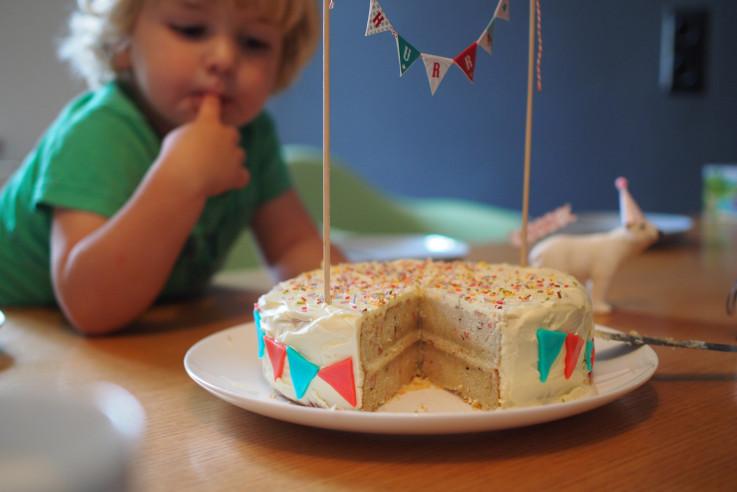 Kindergeburtstag Motto Zirkus Rezept Funfetti-Torte