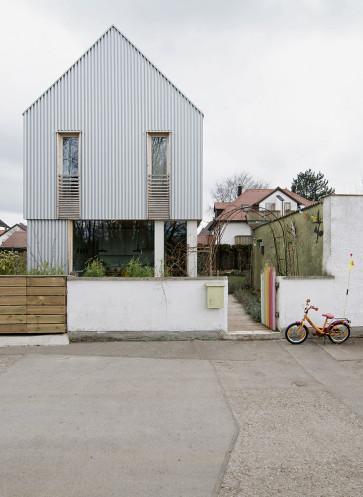 werk A architetkur sicher Häuser des Jahres 2016 Aussenansicht Seite