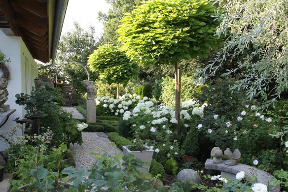 Traumhafte Landgärten 072-073_mayer_hochsommer_72