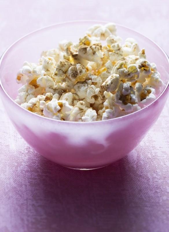 Easy Peasy vegan Kochbuch fliegender Mais Popcorn süß
