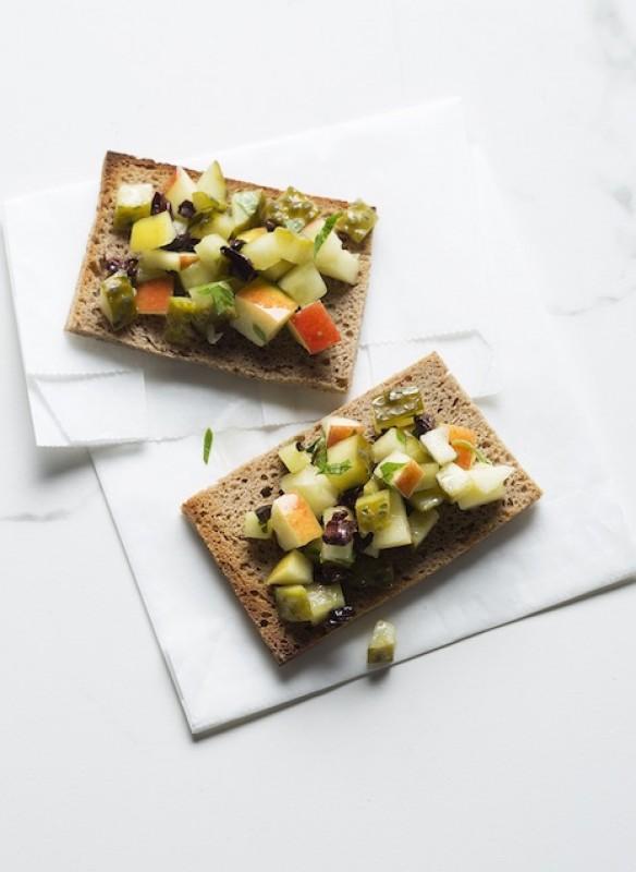 Easy Peasy vegan Kochbuch Spreestulle Gurke Brot Brotzeit