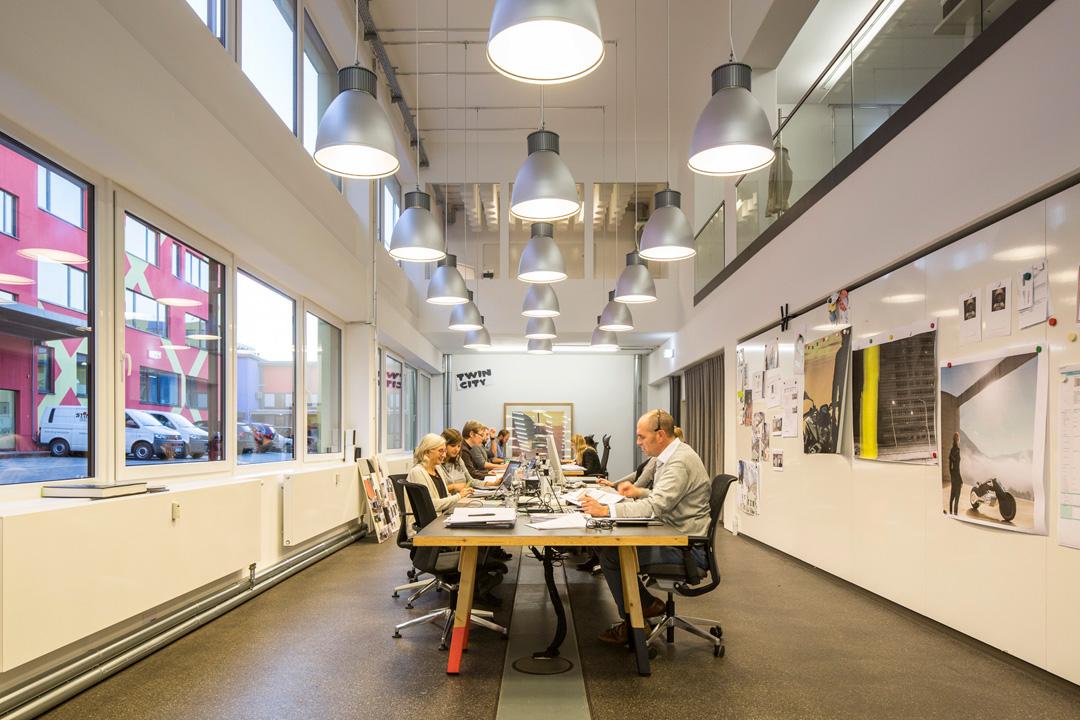 Space for creative thinking lern und arbeitswelten der for Design thinking tisch