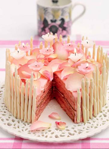 Rezept Geburtstagskuchen Queen Geburtstag Rosenblätter