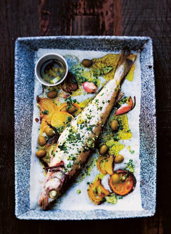 Messer Gebackener Merlan mit Zitronensauce und grünen Oliven