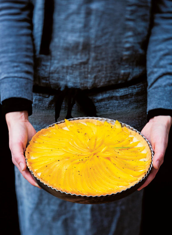 Messer Mangotarte mit Vanillecreme