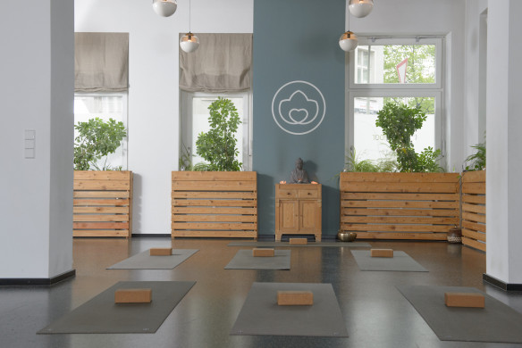 I love Yoga Gutscheinbuch Berlin Yogibar Studio