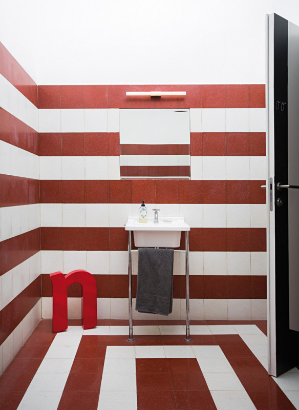 Ornament und Farbe Zementmosaik VIA Platten Bad grafisches Muster