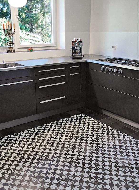 Ornament und Farbe Zementmosaik VIA Platten Küche in schwarz-weiß
