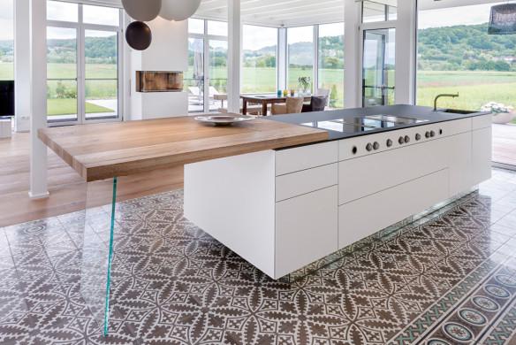 Ornament und Farbe Zementmosaik VIA Platten moderne Küche