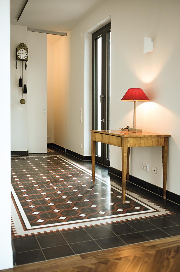 ornament und farbe via platten zementmosaik innenarchitektur buch. Black Bedroom Furniture Sets. Home Design Ideas