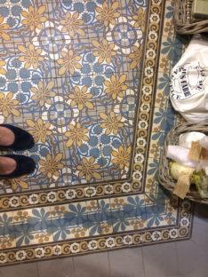 VIA historische Zementmosaikplatten Seifenladen in Nizza