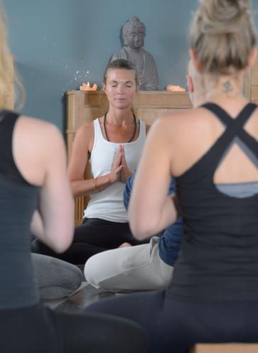 I love Yoga Gutscheinbuch Callwey Yogibar Berlin
