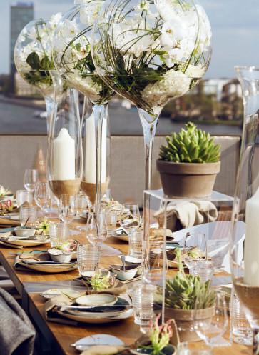 Björn Kroner Tischkultur dekorieren für Feste und Gäste Callwey Rooftop Berlin Sommer