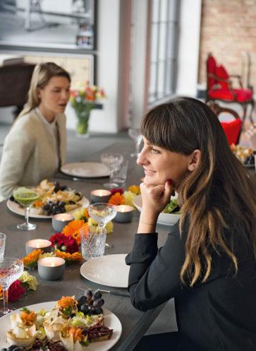 willkommmen-bei-großartigen-gastgeberinnen-callwey-wohnbuch-ratgeber-lunch-gäste