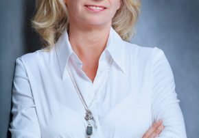 Martina Brüssel Callwey Autorin des Monats moderne Badgestaltung