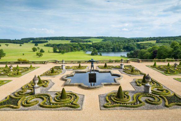 Schlossgarten England mit Buchshecken 1287521WEB