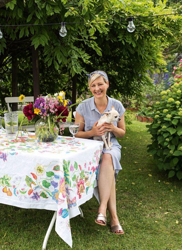 Garden Girls Gartenbuch Callwey Schrebergarten draussen essen