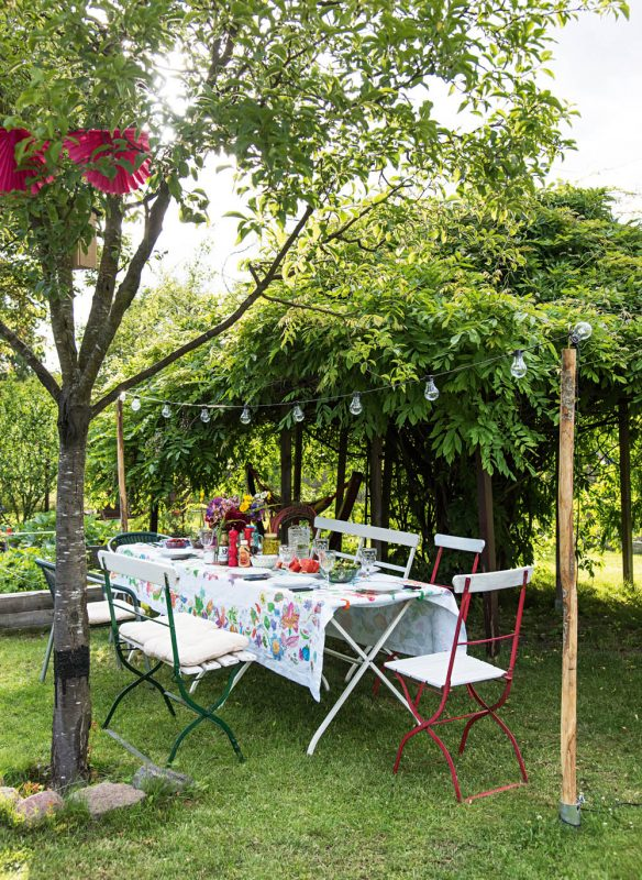 Garden Girls Gartenbuch Callwey Tisch Laube Garten