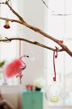 tischkultur callwey wohnbuch weihnachten bunt flamingo anhänger