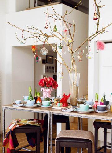 tischkultur callwey wohnbuch weihnachten bunt zweige vase deko