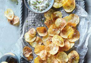 Kartoffelchips mit Dip