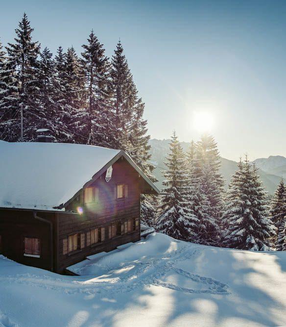 Weihnachten in den Bergen Wohnbuch Callwey Sonne Schnee Hütte