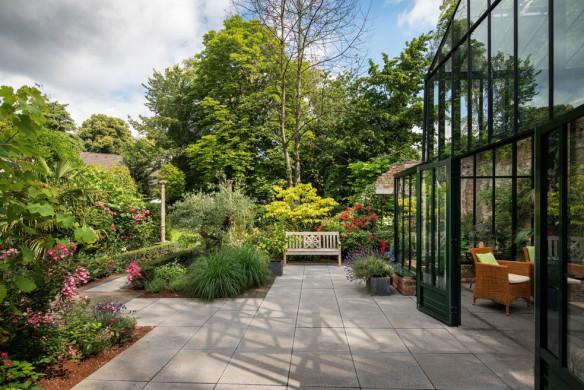 gärten des jahres_pueschel_ruinengarten_terrasse