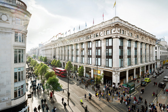 lufthansa-city-guide-london-callwey-selfridges-oxford-street
