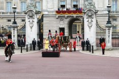 callwey-lufthansa city guides-london-buckingham palace