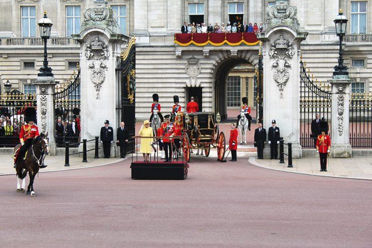 callwey-lufthansa city guides-london-buckingham palace