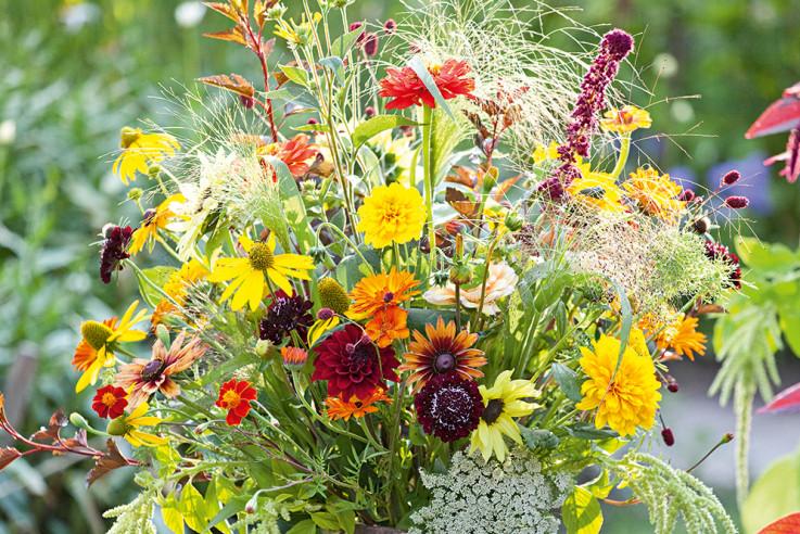 Blumenstrauß mit Sommerblumen